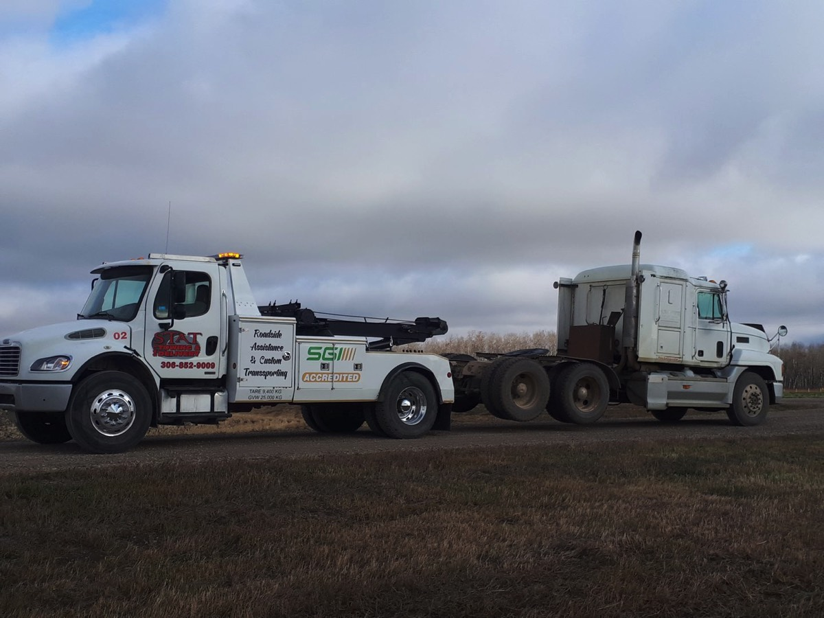 heavy truck towing Tisdale SK